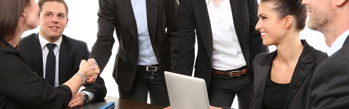 дигатален маркетинг екип на среща